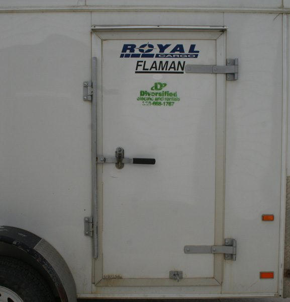 tandem-axle-enclosed-3